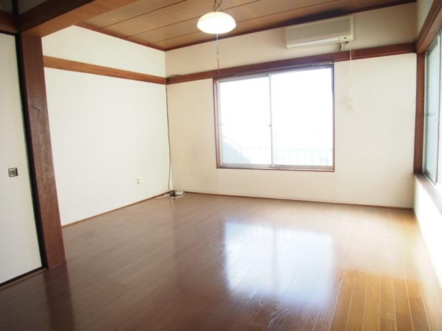 玉喜ハウス 202号室のリビング