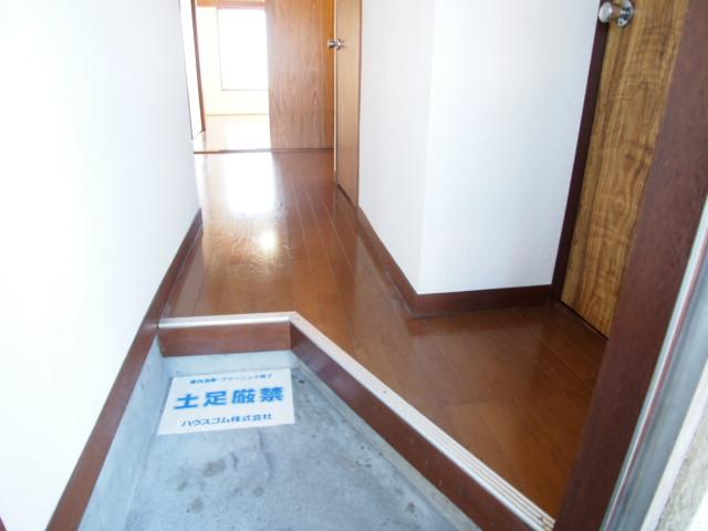 玉喜ハウス 202号室の玄関