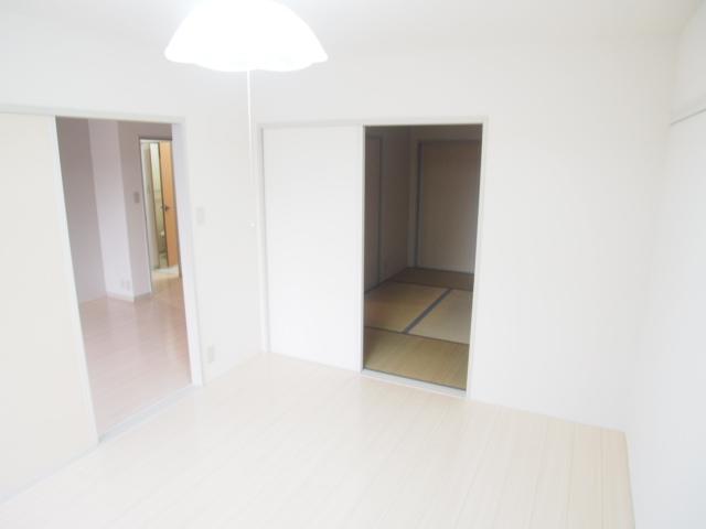 コーポ奈良 102号室の玄関