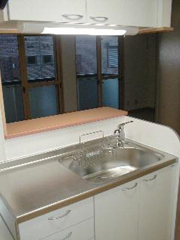 アムールレジデンスA 202号室のキッチン