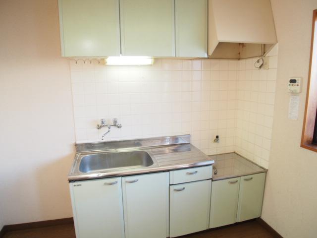 パールシティハイム 102号室のキッチン