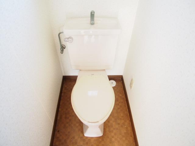 パールシティハイム 201号室のトイレ
