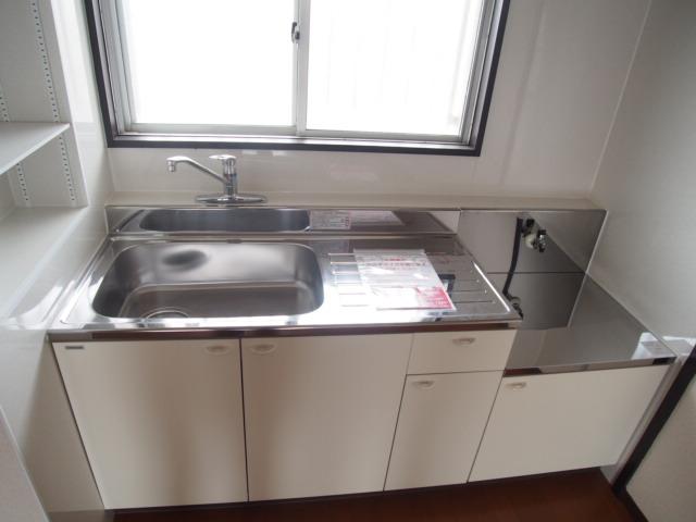 ヒルズマンション 102号室のキッチン
