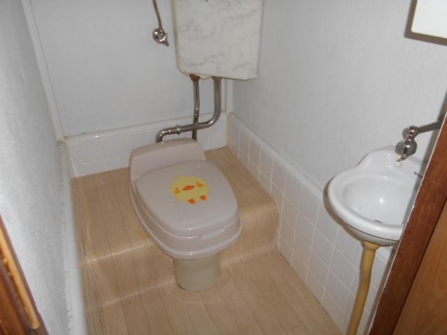 貸家Bのトイレ