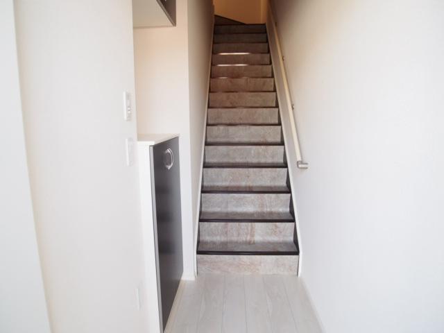 ネクスト・2 203号室の玄関