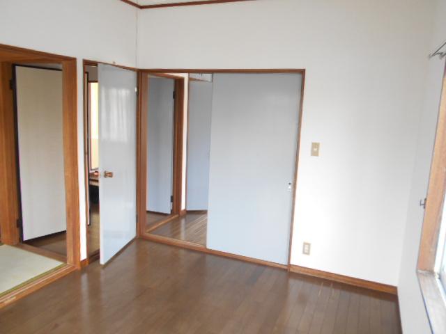 新井コーポ 103号室のリビング