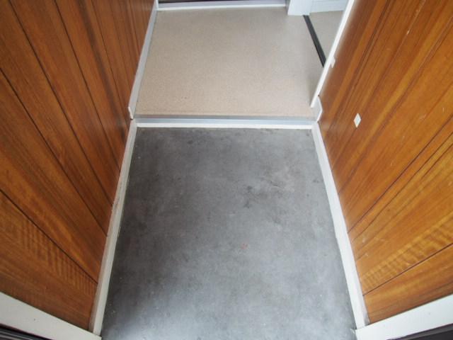 菅原ハイツ 2号室の玄関