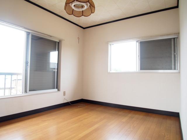 菅原ハイツ 2号室のリビング