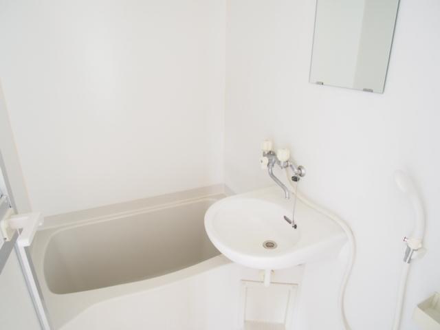 菅原ハイツ 2号室の風呂