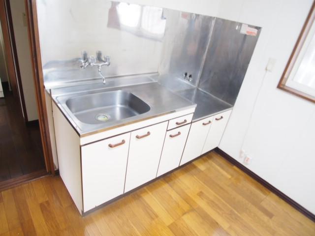 アーバン誠 102号室のキッチン