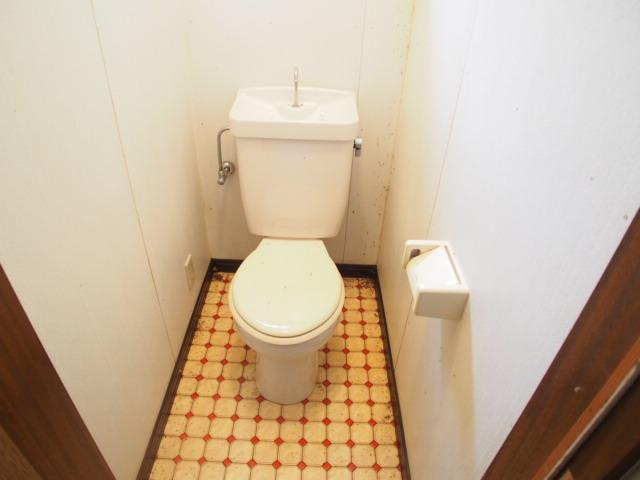 アーバン誠 102号室のトイレ