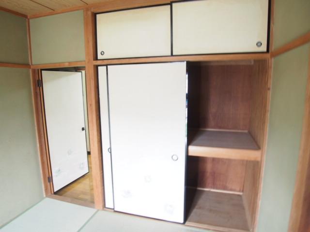 アーバン誠 102号室の収納