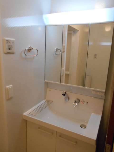 シーティオⅡ 102号室の洗面所