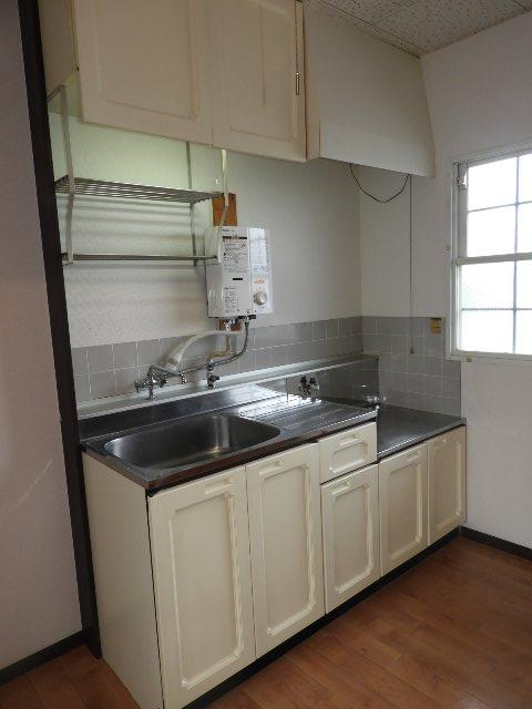 サンハウス B 203号室のキッチン