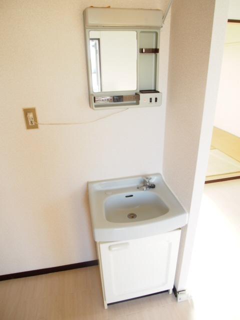 サンハウス B 203号室の洗面所