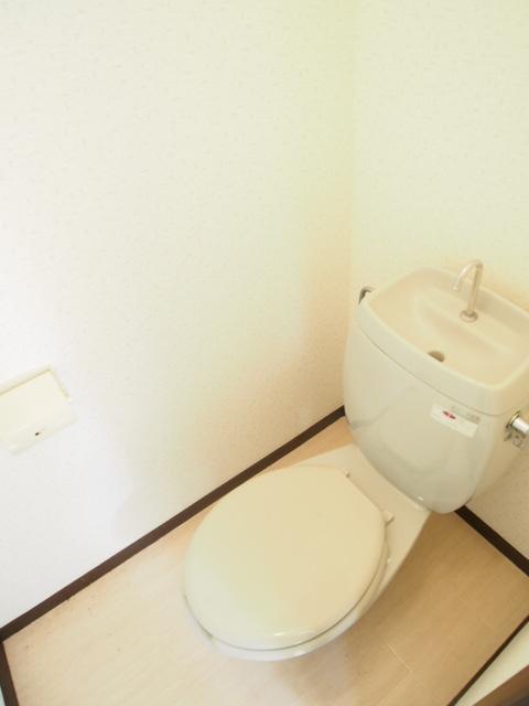サンハウス B 203号室のトイレ
