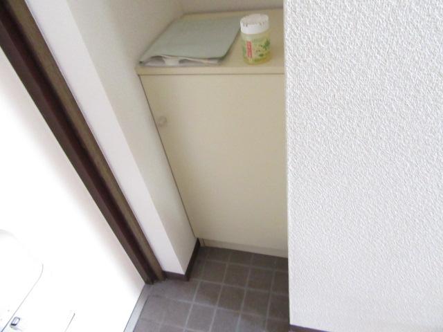 オズハウス1 118号室の玄関