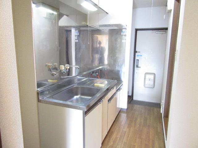 オズハウス1 127号室のキッチン