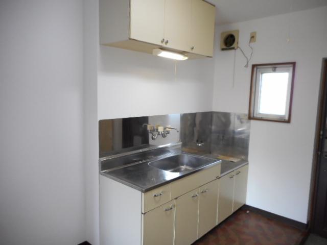 メゾンMORI 202号室のキッチン