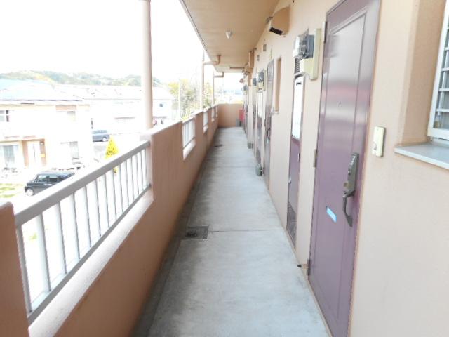 メゾンMORI 202号室のバルコニー