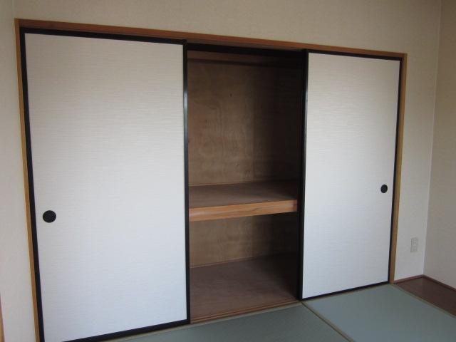 プロヴァンス 103号室の収納
