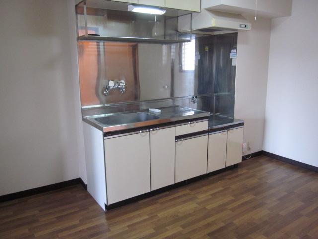プロヴァンス 103号室のキッチン