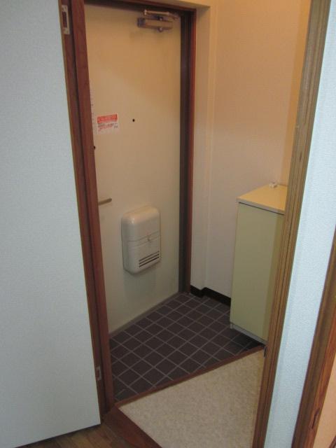 プロヴァンス 103号室の玄関