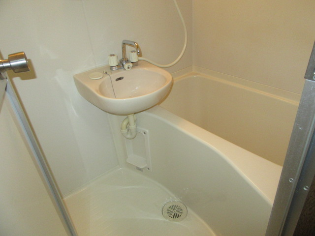 マンションアトランティスⅡ 203号室の風呂