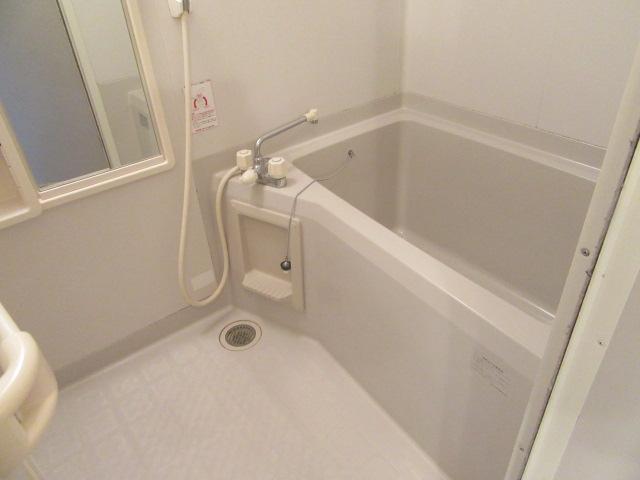 ルミエール宮の西 202号室の風呂