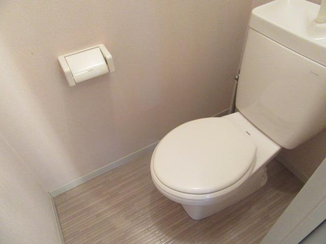 ルミエール宮の西 202号室のトイレ