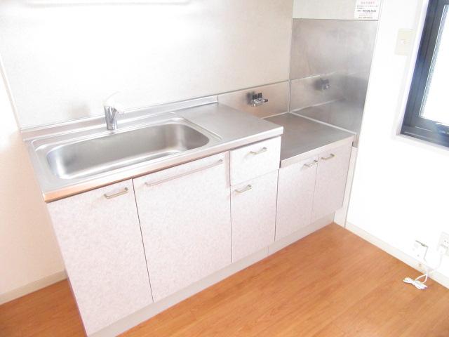 ルミエール宮の西 202号室のキッチン
