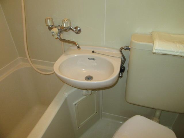 ウエストコート 103号室の洗面所