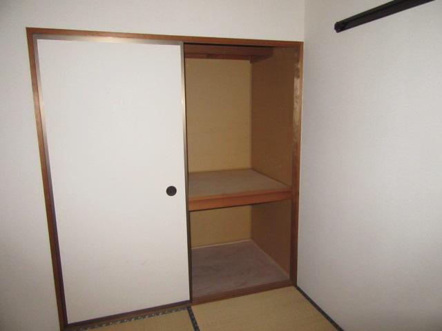 ビーフルミサキハイツB 201号室の収納