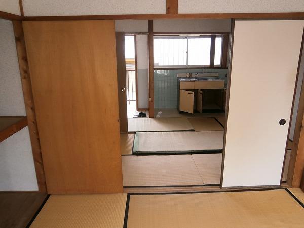 八幡荘 7号室のリビング