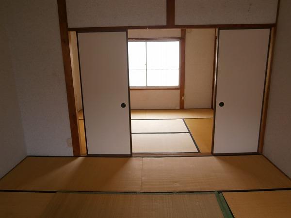 八幡荘 7号室の居室