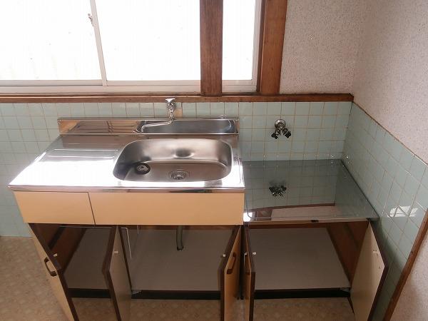 八幡荘 7号室のキッチン