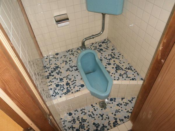 八幡荘 7号室のトイレ