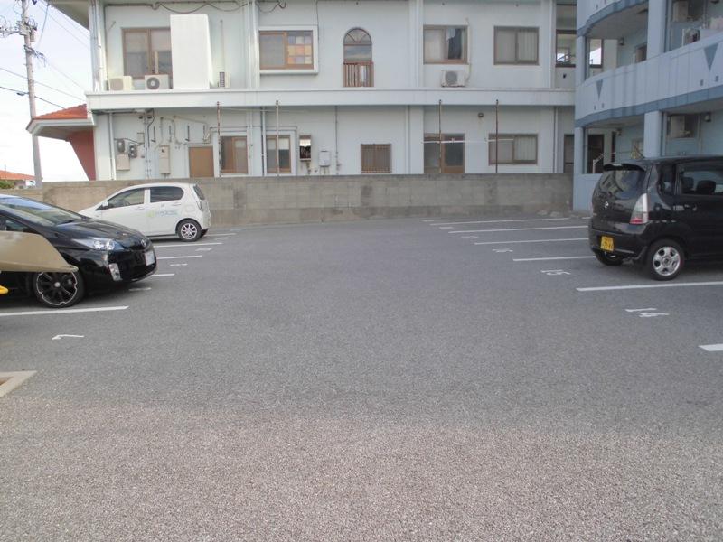 パレス・オーシャンビュー 205号室の駐車場