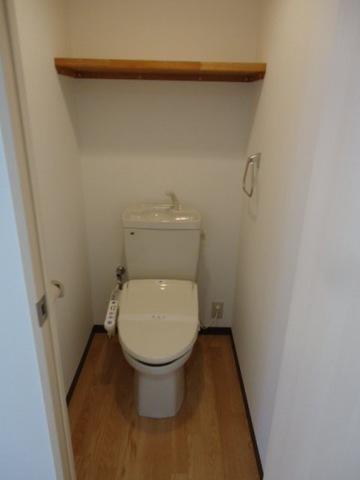 パレス・オーシャンビュー 205号室のトイレ