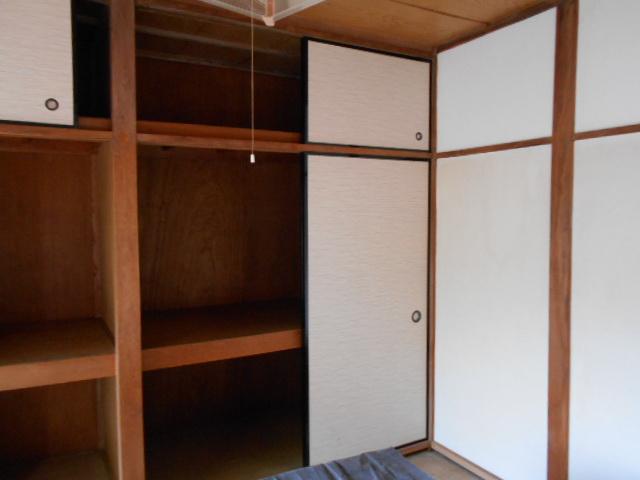 三剛荘 2-1号室の収納