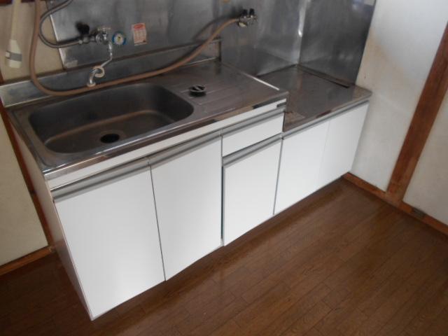 三剛荘 2-1号室のキッチン