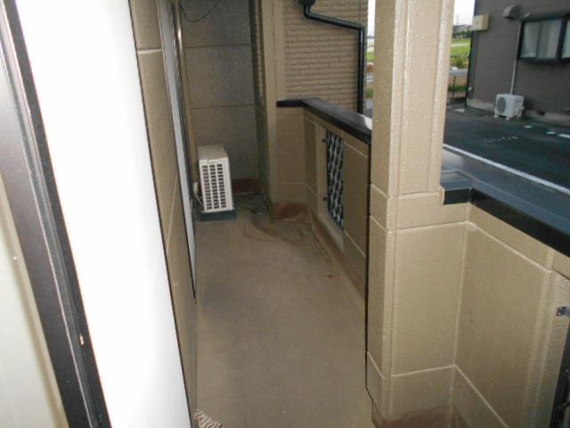 コロラトゥーラB 101号室のバルコニー