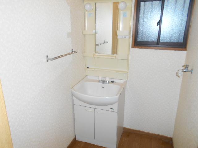 コロラトゥーラB 101号室の洗面所