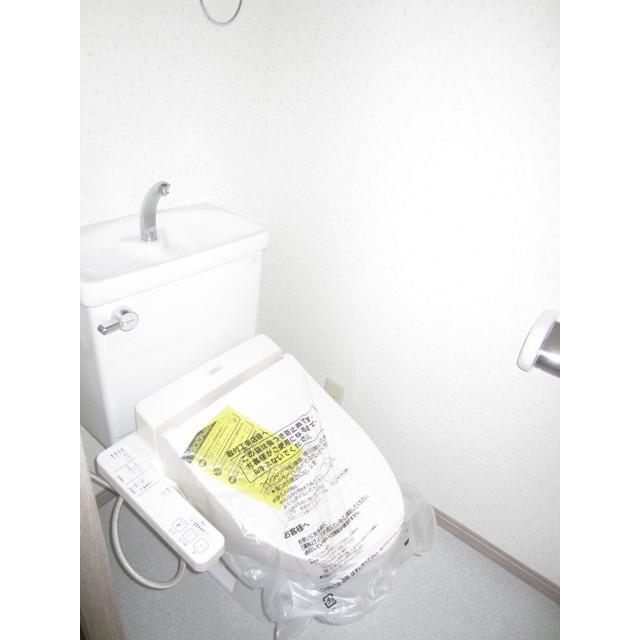 ヴィラージュドゥエス・ボン 102号室のトイレ