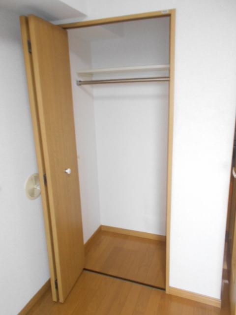 日神パレステージ三軒茶屋第2 1101号室の収納
