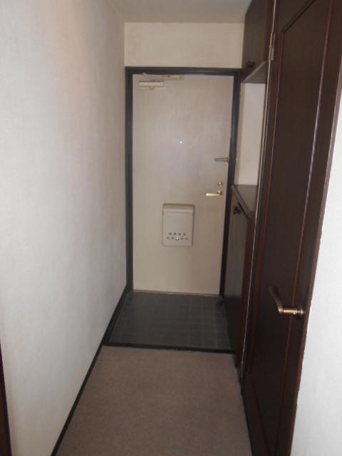 コスモ春日部豊春セカンドステージ 401号室の玄関
