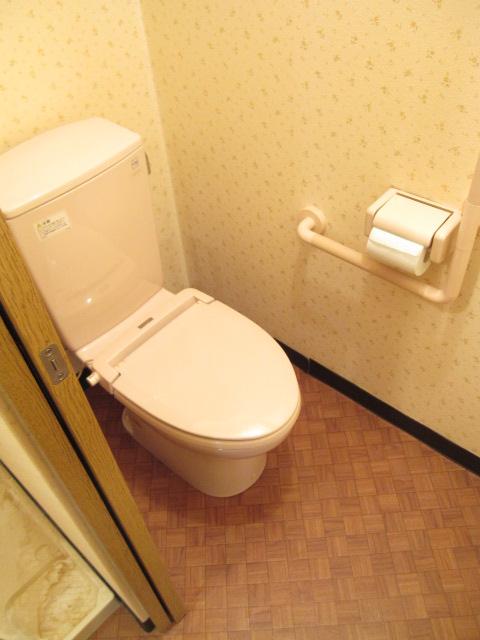 エスカイア上尾 402号室のトイレ
