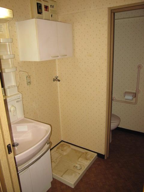 エスカイア上尾 402号室の洗面所