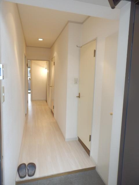 ヴィラフィオーレ 202号室の玄関
