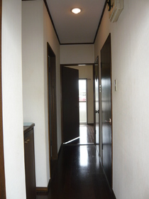 スカイハイツB棟 102号室の玄関